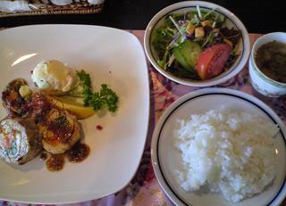 LuculiaTea_Lunch.jpg